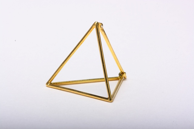 triangle pierce / shihara